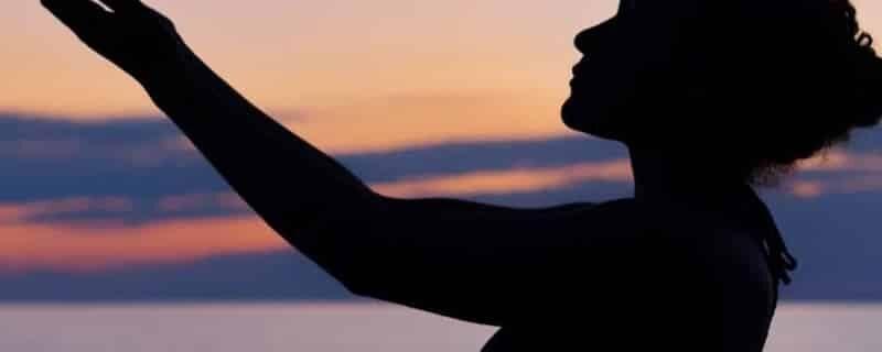 Séance d'hypnose – Réinterprétation et diminution de la douleur